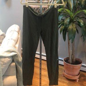 Alo Yoga twiggy leggings size Medium